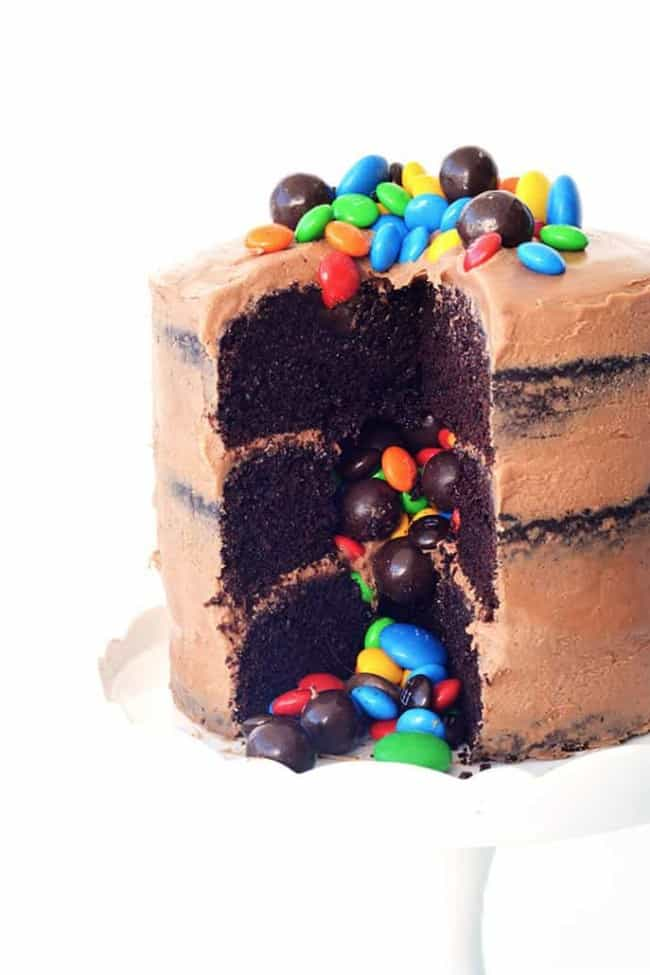 Chocolate Pinata Party Cake | via sweetestmenu.com