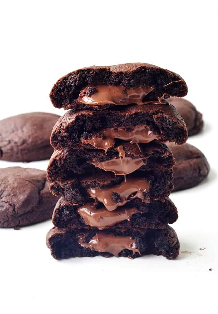 Nutella Stuffed Chocolate Cookies