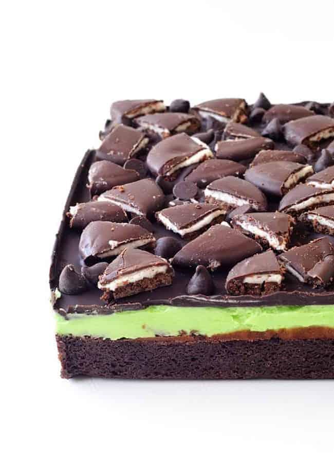 Mint Chocolate Brownies | via sweetestmenu.com