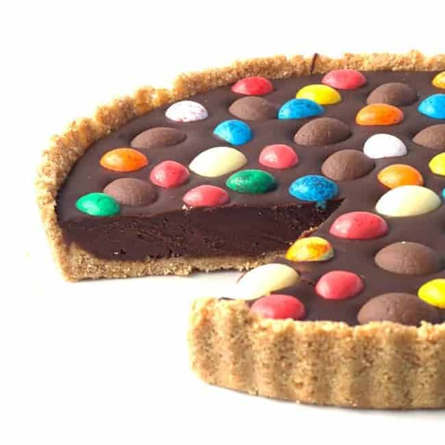 Easter Egg Chocolate Tart | via sweetestmenu.com