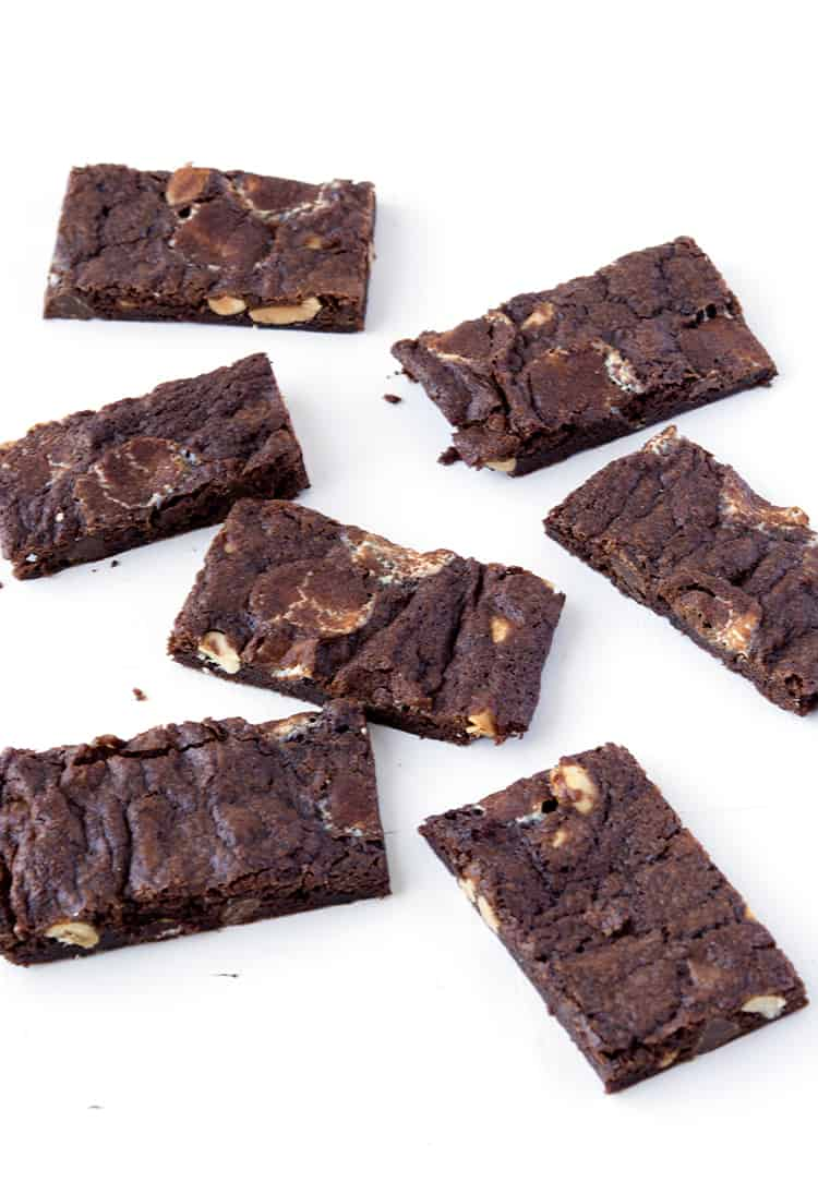 Rocky Road Brownie Bark | via sweetestmenu.com