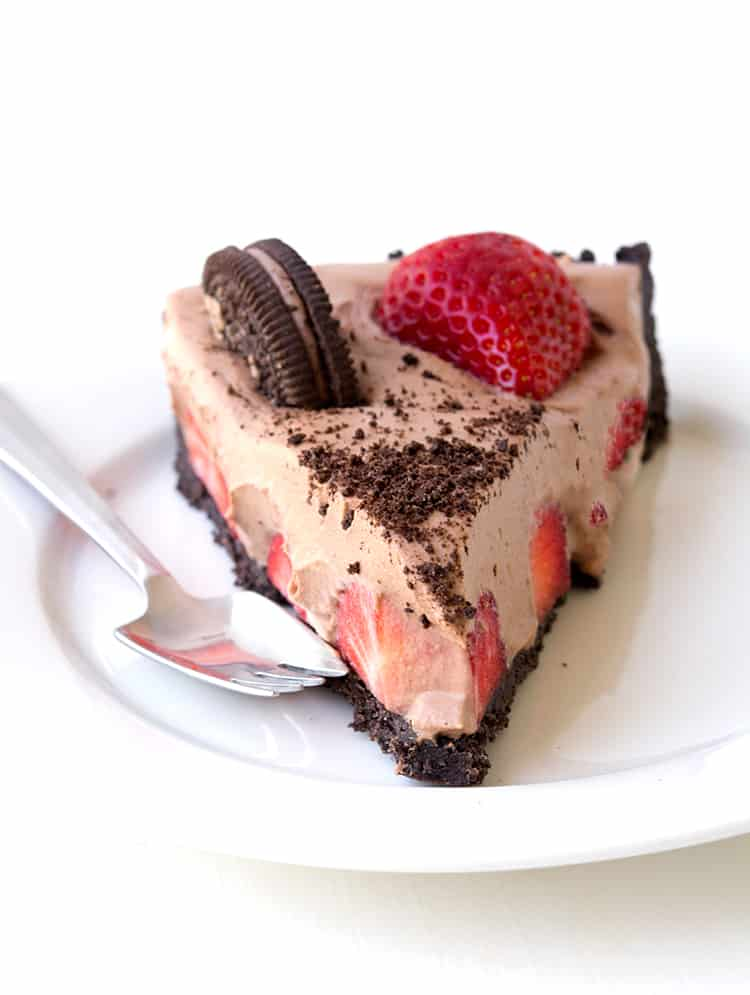 No Bake Strawberry Chocolate Pie | Sweetest Menu