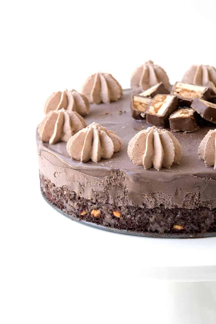 Snickers Chocolate Brownie Ice Cream Cake - Sweetest Menu 24ff76b6f01