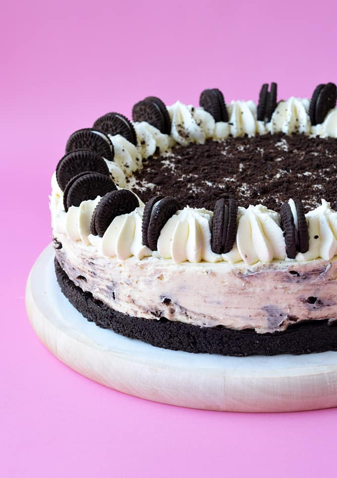 A beautiful No Bake Oreo Cheesecake