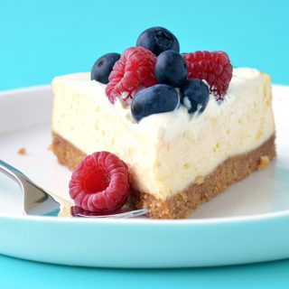 Baked Sour Cream Cheesecake with Berries