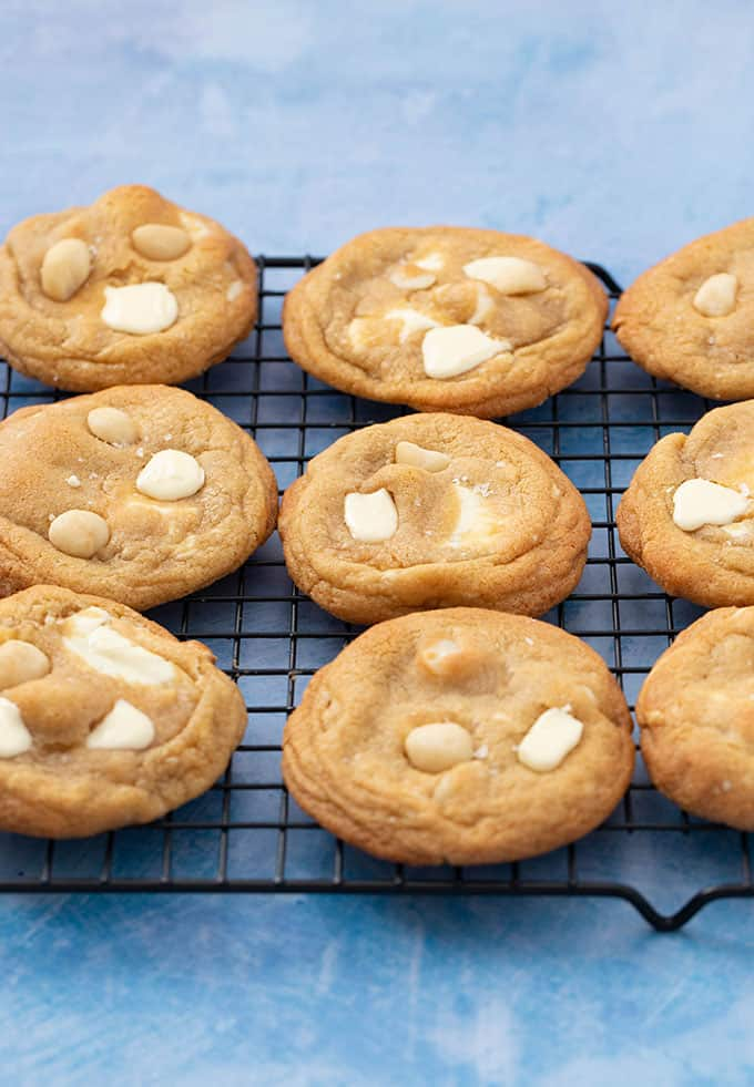 Fresh out of the oven Macadamia Cookies sitting on a wire rack to cool