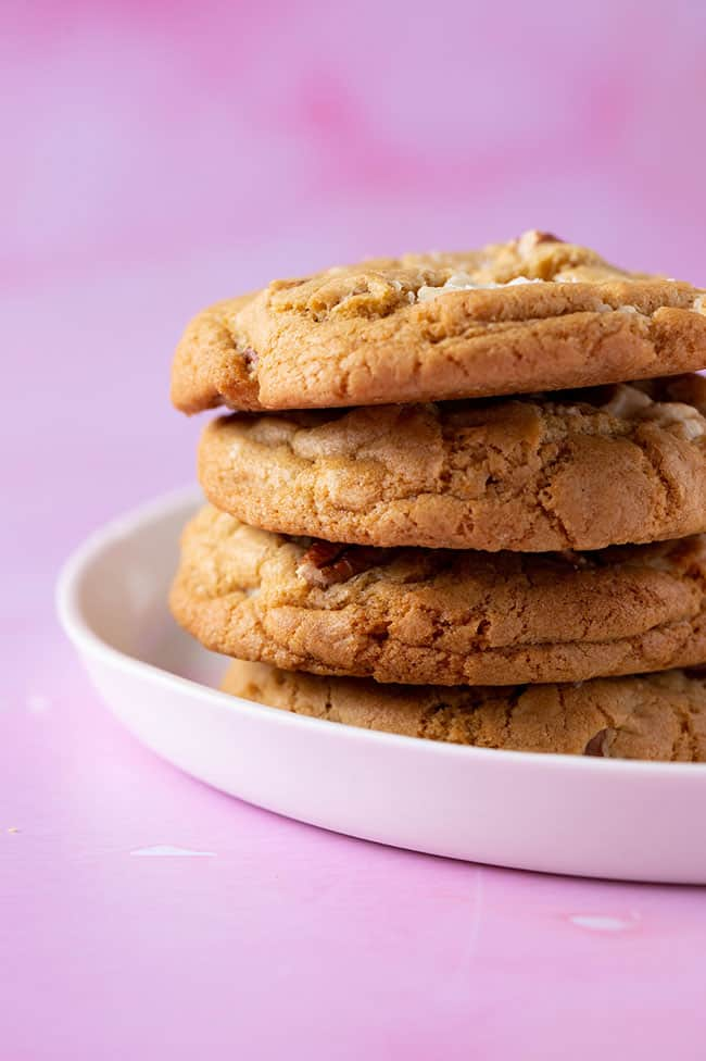 A stack of Maple Cookies