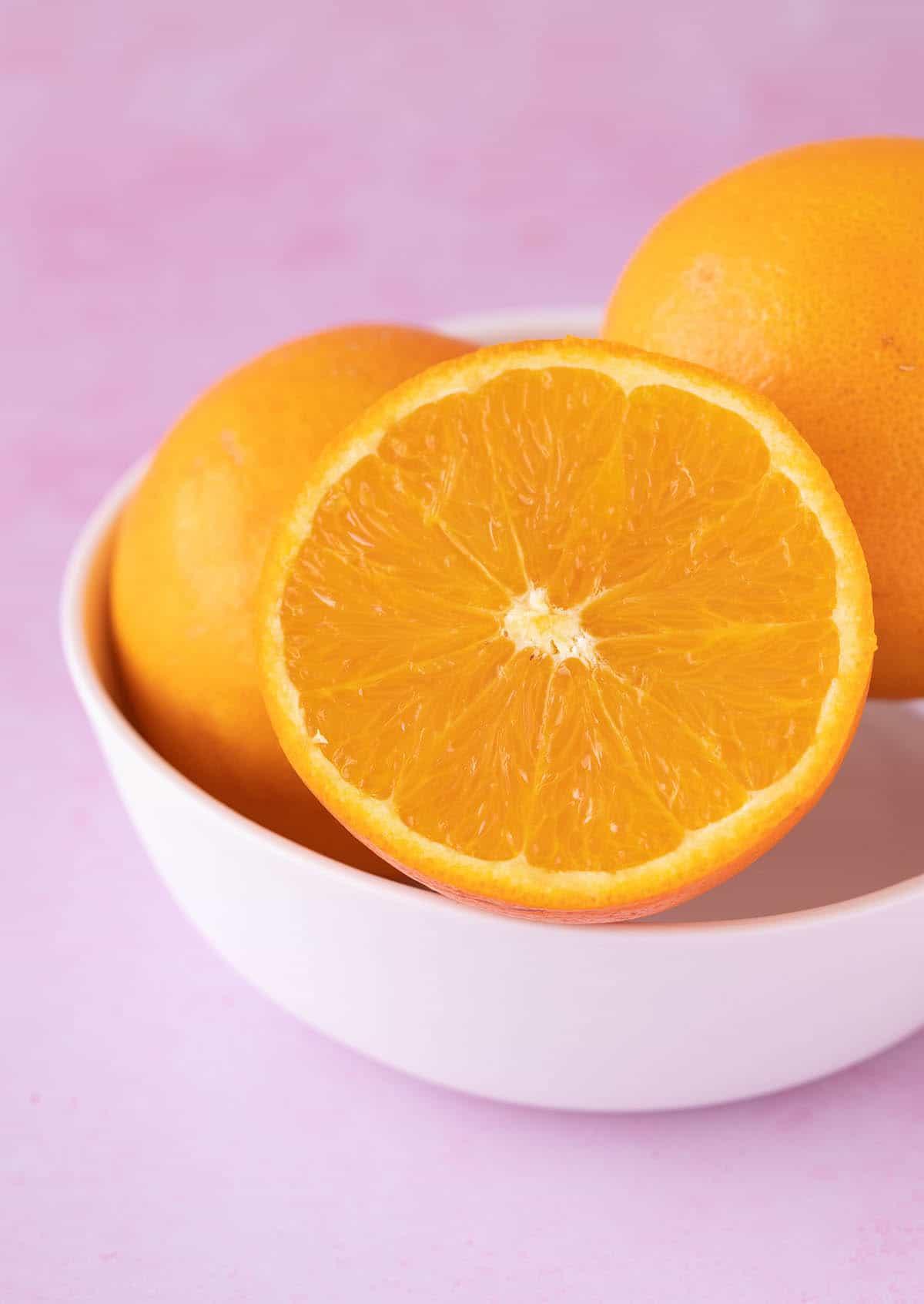 A bowl of fresh oranges